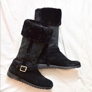Coach Shoes - Coach Black Fur Winter Snow Boots Size 8 EUC